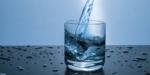 Πόσο νερό πρέπει να πίνω;